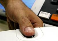 Mais de 1 milhão de eleitores votarão por leitores biométricos em 2010