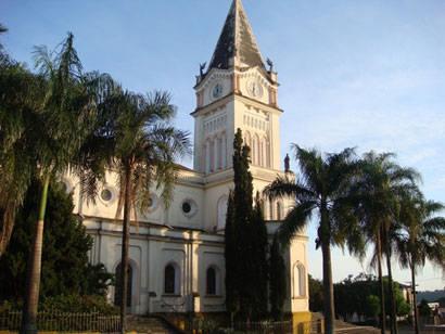 """""""A Igreja Matriz pelos Olhos de Araxá"""" embeleza obras de restauração"""