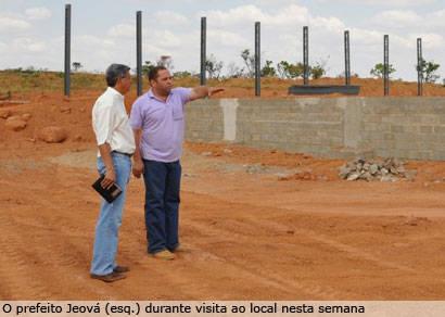 Com a conclusão da rua Catuíra, Distrito Industrial recebe novas empresas