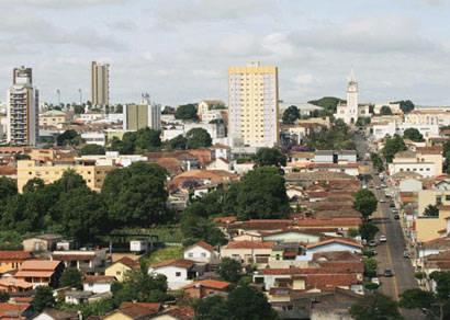 Araxá tem 1.133 mulheres a mais do que homens