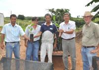 Produtores rurais recebem mudas de maracujá