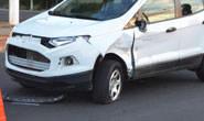 Moto colide com carro na Senador Montandon