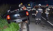 Batida entre carreta e picape mata homem na BR-262