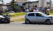 Acidente na avenida Amazonas envolve três carros