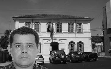 """Alexandre """"Irmãos Paula"""" entra com mandado de segurança para assegurar vaga na Câmara"""