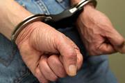 Homem de 83 anos ameaça amásia com faca e pedaço de madeira
