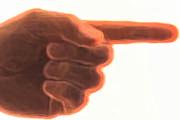Cobra devolução de materiais emprestados e é ameaçado