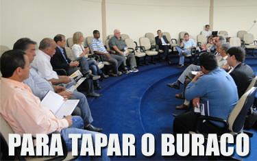Prefeitos da Ampla conhecem projeto de pavimentação do trecho Tapira/São Roque
