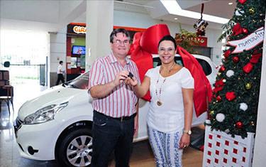 APAE de Araxá ganha veículo zero em sorteio