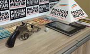 PM prende autores com arma de fogo e droga