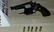PM apreende arma de fogo em casa de menor