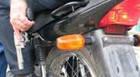 Dupla assalta loja de posto de gasolina no Domingos Zema