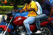 Bandidos armados assaltam bar no Santa Luzia e fogem de moto