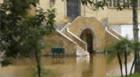 Rompimento de tubulação causa inundação no Barreiro