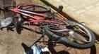 Inabilitada 'desmaia ao volante por alguns segundos' e bate em ciclista