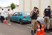 """Blitz educativa faz campanha contra """"motorista"""" sem habilitação"""
