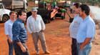 Bosco e autoridades visitam obras de recapeamento da MGC-462