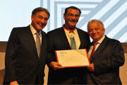 Presidente da CBMM é condecorado com título de Industrial do Ano