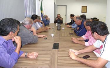 Vereadores se reúnem com representantes da CDL para debater projetos