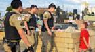 Adolescentes são flagrados escondendo crack no Cemitério das Paineiras