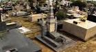 PM apreende droga deixada em cima de túmulo