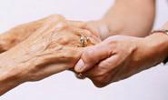 Governado de Minas promulga lei para estímulo à atividade de cuidador de idoso