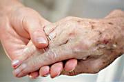 Fama abre inscrições para curso gratuito de cuidador de idosos