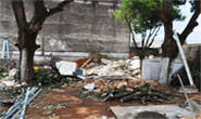 Prefeitura realiza limpeza em terreno situado no centro da cidade
