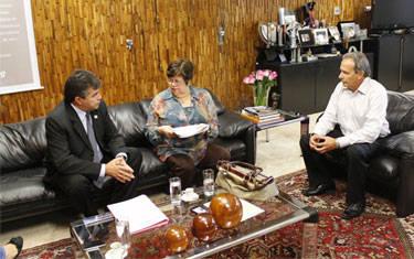 Governo de Minas anuncia construção de Ginásio para escola de Araxá