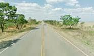 Motorista de caminhão perde controle e morre em acidente na MG-428