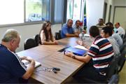 Universitários buscam apoio da Câmara para transporte diário a Uberaba