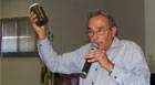 """Eustáquio Pereira denuncia """"criadouro"""" de dengue em fonte do Teatro"""