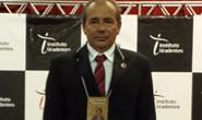 Eustáquio Pereira recebe Medalha Alferes Tiradentes