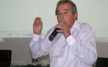 Eustáquio denuncia suposta coação contra servidores da Secretaria de Educação