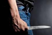 Marido discute com a esposa e ameaça o sogro com uma faca