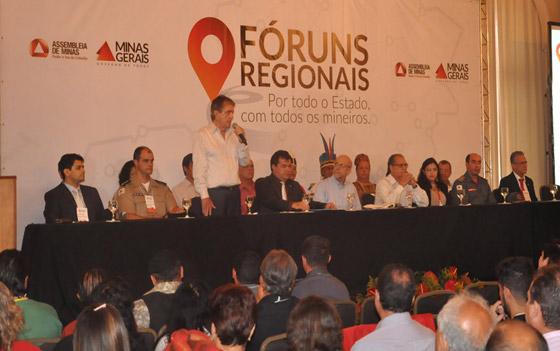 Prefeito Aracely e comitiva participam da 2ª rodada do Fórum Regional