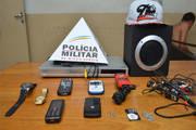 Menor e autor são detidos por furto de objetos em residência