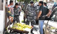 Operação notifica vendedores ambulantes que trabalham sem licença