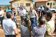 Jeová se reúne com moradores do programa Mãos na Massa
