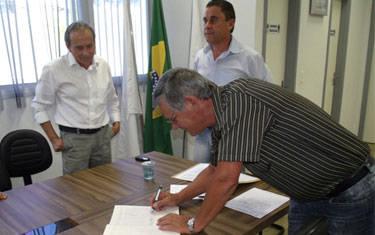 João Bosco Borges toma posse como suplente do prefeito interino Miguel Junior
