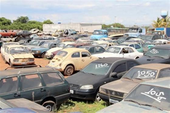 Departamento de Trânsito de Minas Gerais realiza leilão em Araxá