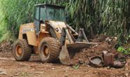 Prefeitura realiza limpeza em acesso no Setor Leste