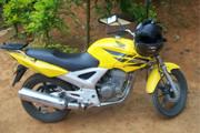 Jovem é abordado e tem moto roubada no Tiradentes