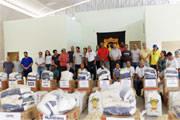 Instituições filantrópicas recebem doações do Moto Clube 100 Destino