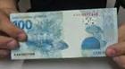Mulher troca notas verdadeiras por falsas sem perceber e perde R$ 1 mil