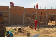 Detentos de Araxá trabalham em obras do Hospital Casa do Caminho