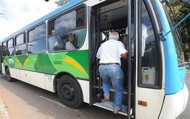 Idosos mineiros terão direito a viajar gratuitamente