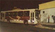 Adolescente desativa freio de ônibus e causa acidente no Centro