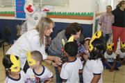 Secretária de Educação faz entrega de ovos de páscoa para crianças da rede municipal