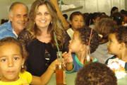 Empresária doa material escolar para entidade que atende crianças do Urciano